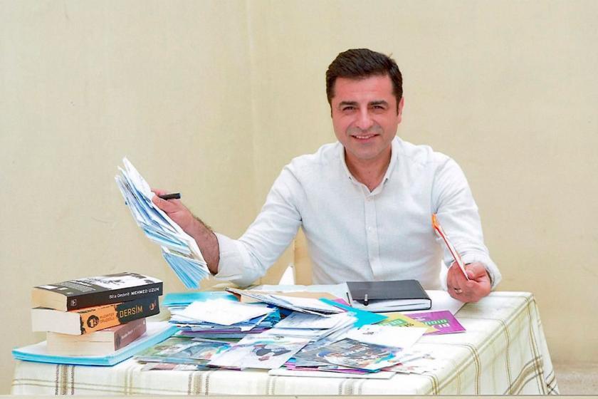 Demirtaş,  4 yıl 8 ay ceza aldığı dosyadan tahliye oldu ancak cezaevinden çıkamayacak