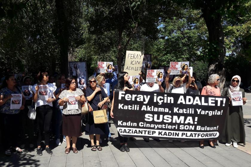 Kadınlar, Antep ve Mersin'de 'Feray Şahin için adalet' diyerek bir araya geldi