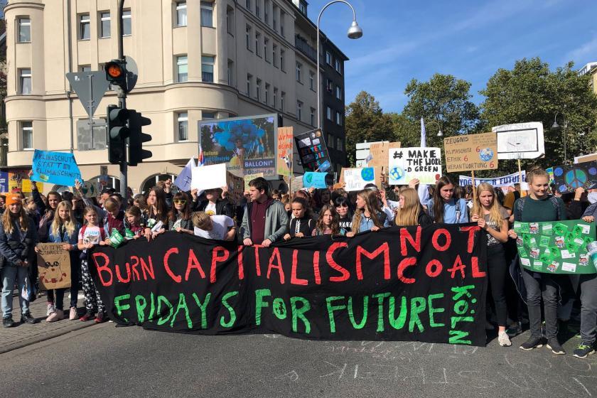 """Almanya'da İklim Koruma Paketi imzalandı, muhalefet anlaşma """"yetersiz"""" dedi"""