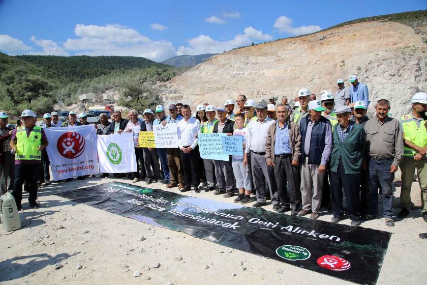 Spil Dağı'nda taş ocağı protestosu: Koruma altındaki alanda doğa katliamı
