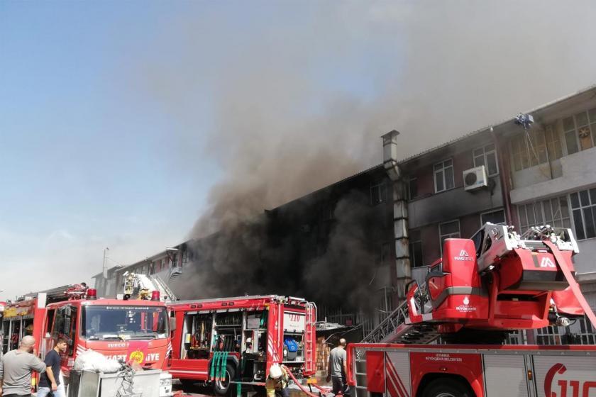 Başakşehir İkitelli Organize Sanayi Bölgesinde fabrikada yangın çıktı