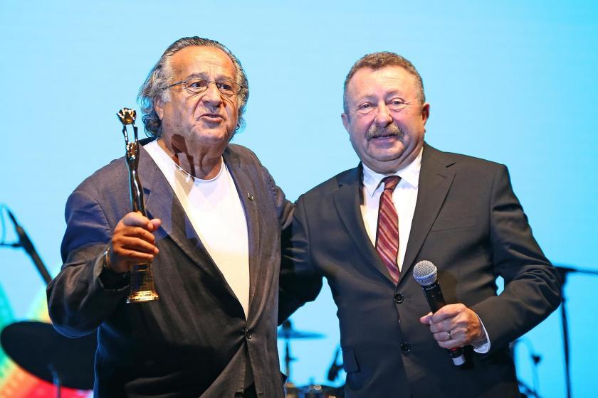 Adana Altın Koza Film Festivali'nde sinemaya emek verenler ödüllendirildi