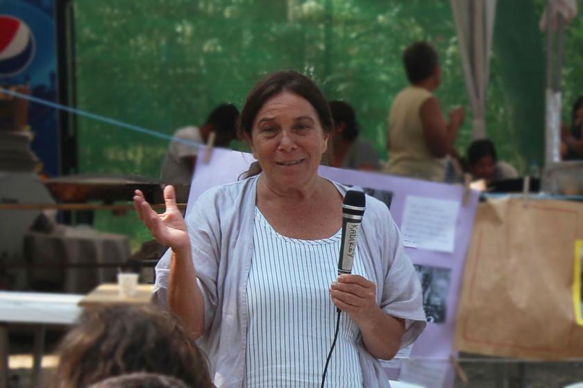 Erdal Öz Edebiyat Ödülü Latife Tekin'e