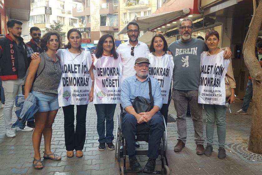 HDP'nin İzmir'de başlattığı demokrasi nöbeti son buldu