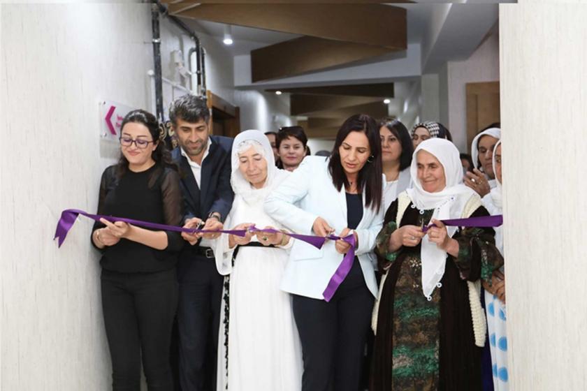 Kayyum sonrası kadın merkezleri yeniden açılıyor: Haklarımız için bir aradayız