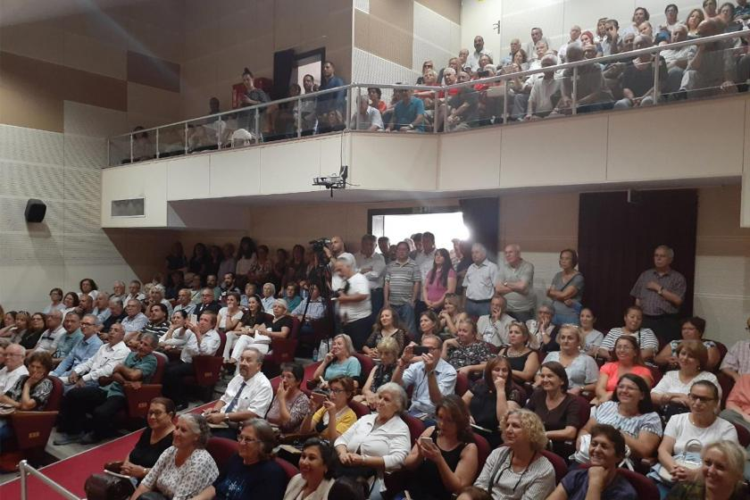 """Karşıyaka'da """"yerel yönetimlerde sağlık hizmetleri"""" konuşuldu"""