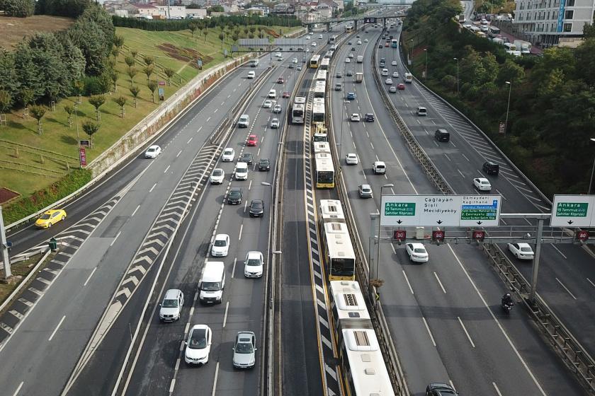 İstanbul'da metrobüs kazası: 13 kişi yaralandı