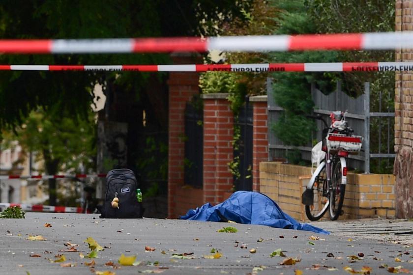 Almanya'da sinagog önünde silahlı saldırı: 2 kişi öldü