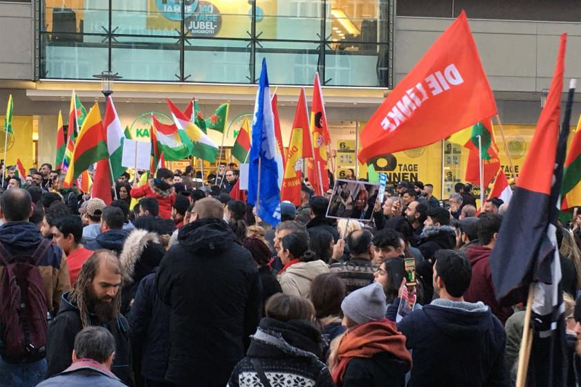 Thüringen'de Sol Parti kazandı, ortakları kaybetti