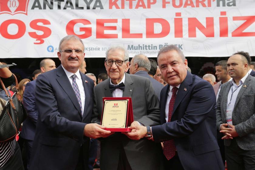 Antalya ve Edirne'de kitap fuarı heyecanı: Nerede kitap varsa kültürün başkenti orası