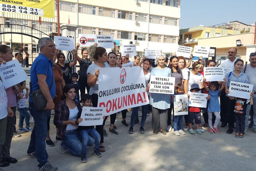 İzmir'de velilerden imam hatip sınıflarına karşı imza kampanyası