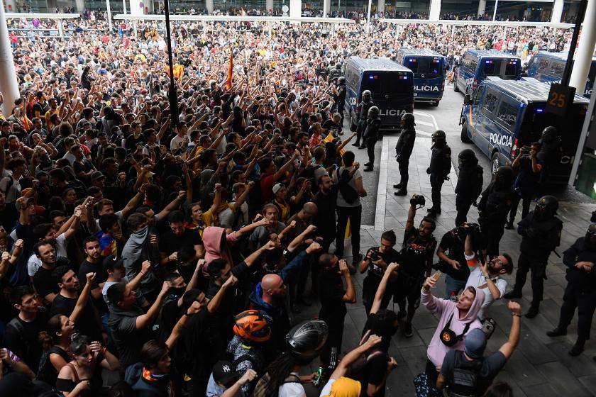 İspanya'da özerk bölgelerdeki 10 partiden 'Katalonya sorununa' çözüm talebi