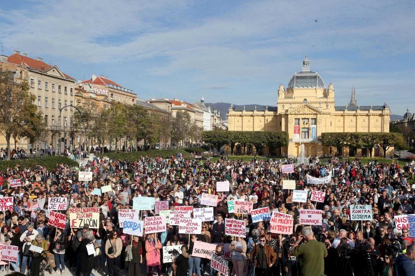 Hırvatistan'da çocuk istismarı protestosu için binler sokakta