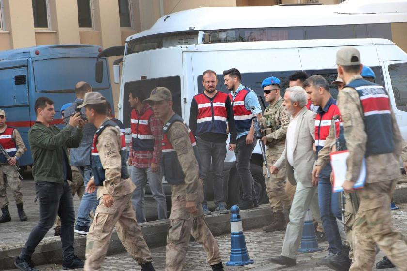 HDP'li 4 belediyeye kayyum atandı, eş başkanlar tutuklandı