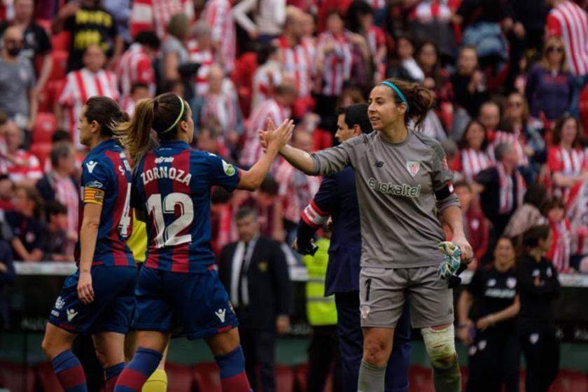 İspanya'da kadın futbolcular greve çıkıyor