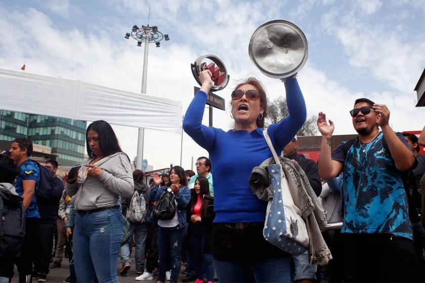 Şili'de işçi ve emekçiler baskılara karşı genel greve çıktı
