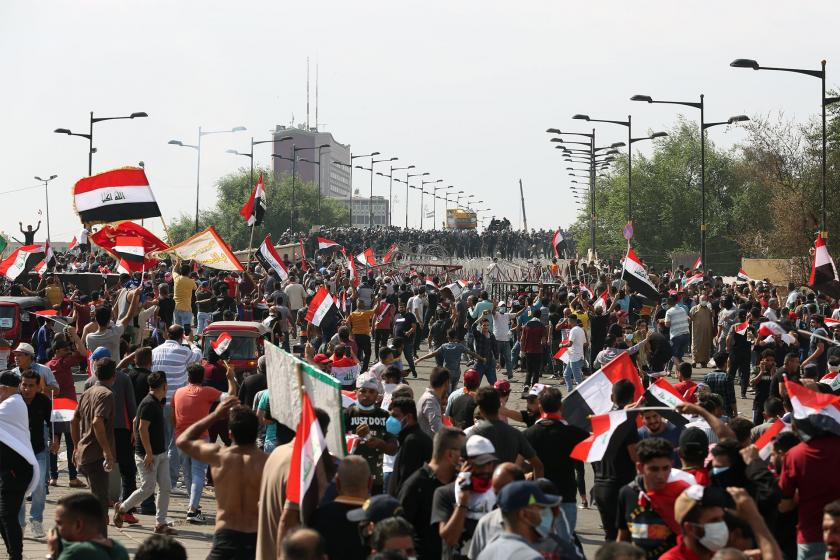 Irak'ta halk hükümet binalarının bulunduğu alana yürüdü, polis müdahale etti: 30 ölü