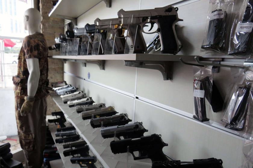 Silah taşıma kapsamı genişletildi: Silahlı suçlar artacak!