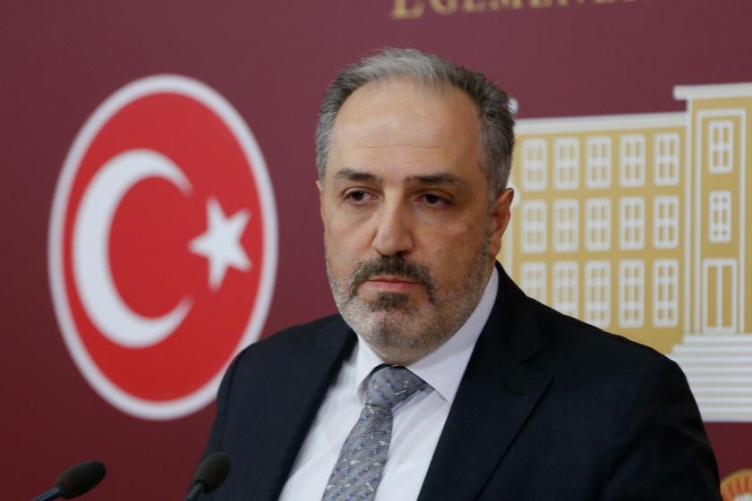 AKP Milletvekili Mustafa Yeneroğlu partisinden istifa etti
