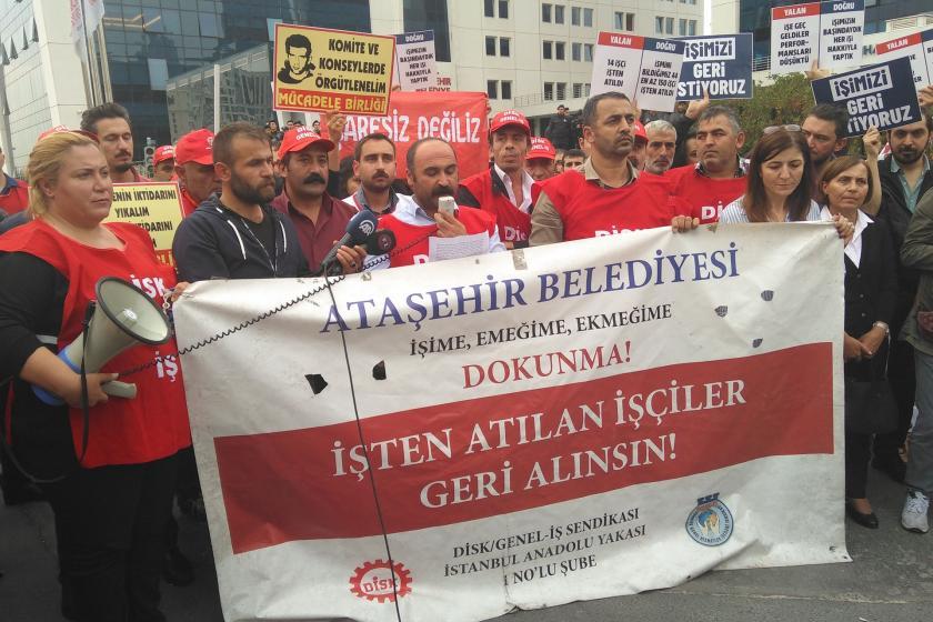 İşçiler, Ataşehir Belediyesi önünde
