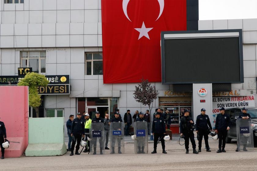 Suruç Belediyesi çevresinde polis ablukası