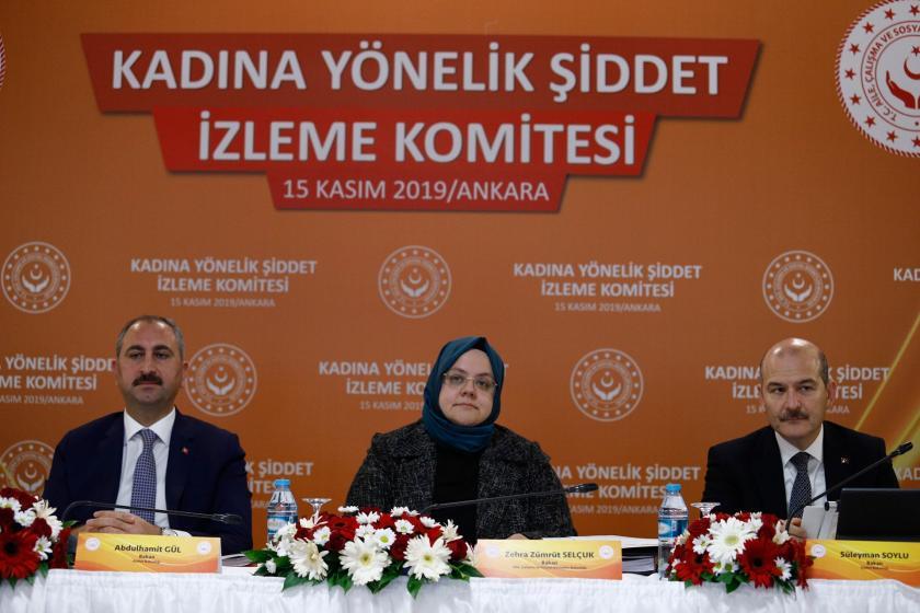 Adalet Bakanı Abdulhamit Gül, Aile, Çalışma ve Sosyal Hizmetler Bakanı Zehra Zümrüt Selçuk ve İçişleri Bakanı Süleyman Soylu
