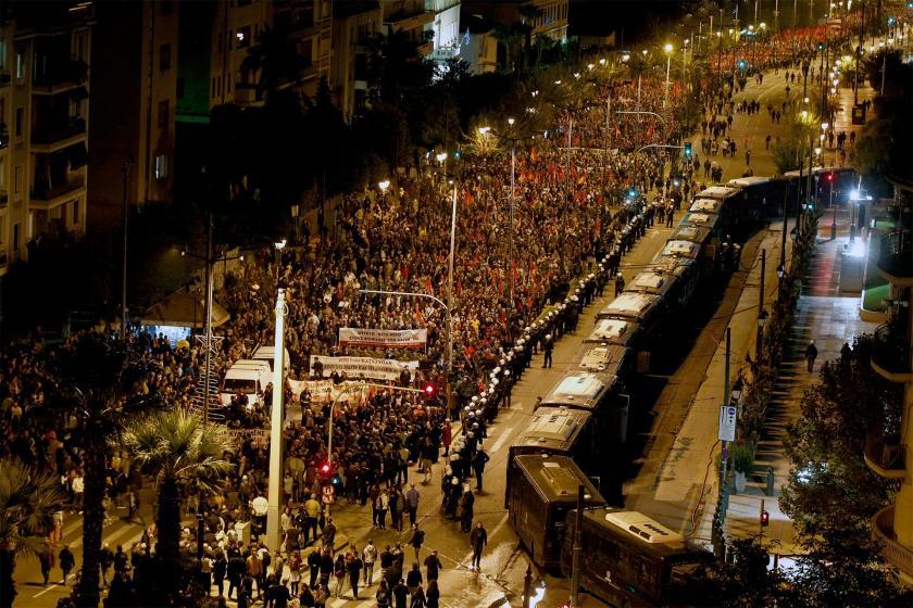 Politeknik direnişini anmak üzere sokağa çıkan Yunanistanlılar