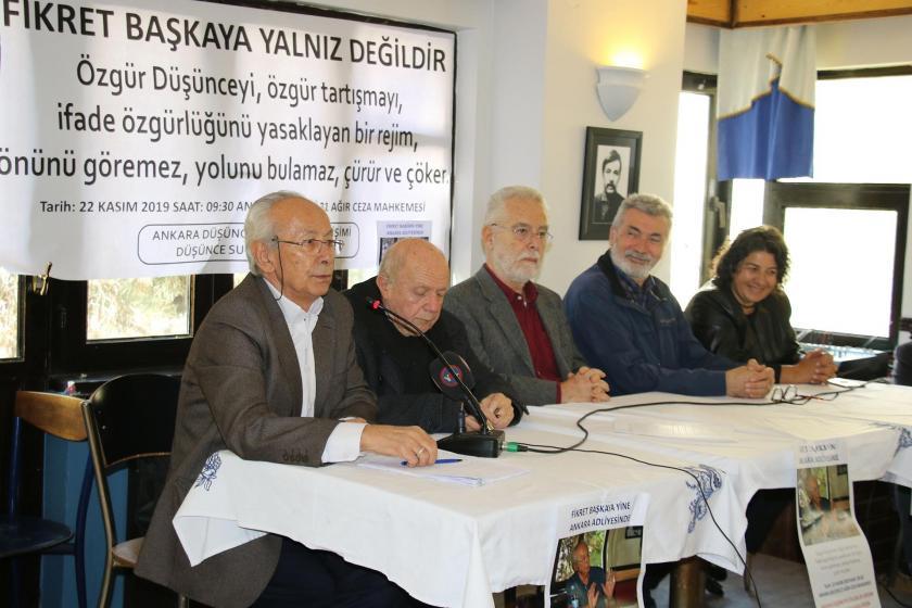 Fikret Başkaya'nın yargılandığı davanın duruşması öncesi düzenlenen basın toplantısı