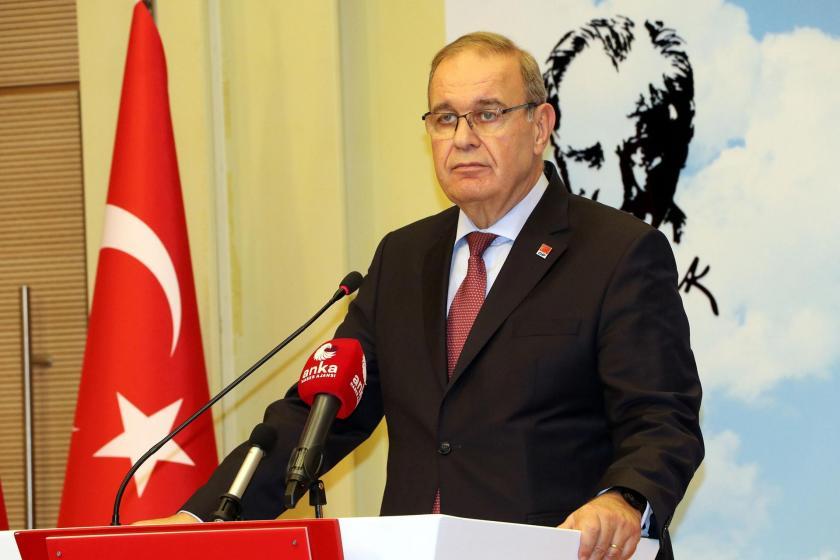 CHP Sözcüsü Faik Öztrak kürsüde açıklamalarda bulunurken