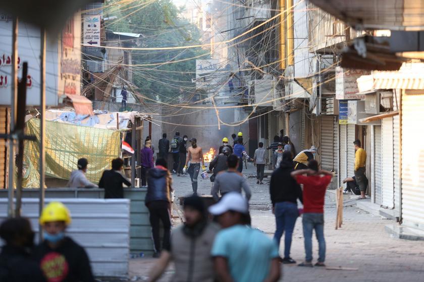 Bağdat'taki protestoya polis saldırdı