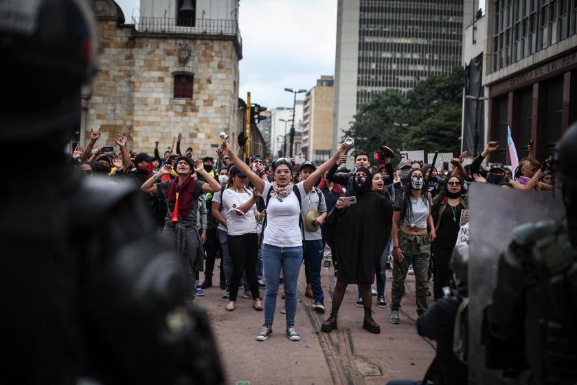 Kolombiya'da polis müdahalesine rağmen protestolar sürüyor - Evrensel.net