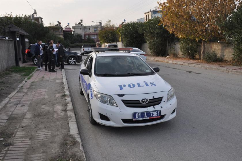 Polis ekipleri, kadının yaralı halde bulunduğubölgede araştırma başlattı.