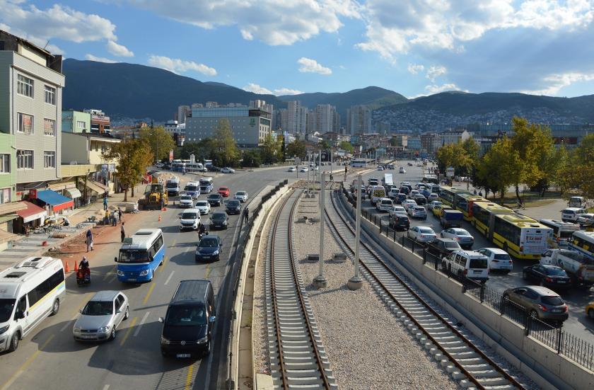Bursa'da yapımı süren tramvay çalışması.