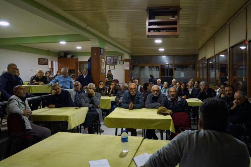 İzmir Evka-2 mahallesinde düzenlenen Evrensel'le dayanışma etkinliğinden bir fotoğraf