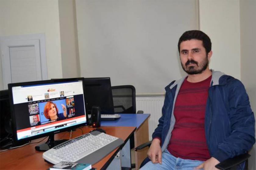 DİHA bürosunda çalışırken Gazeteci Yusuf Topaloğlu
