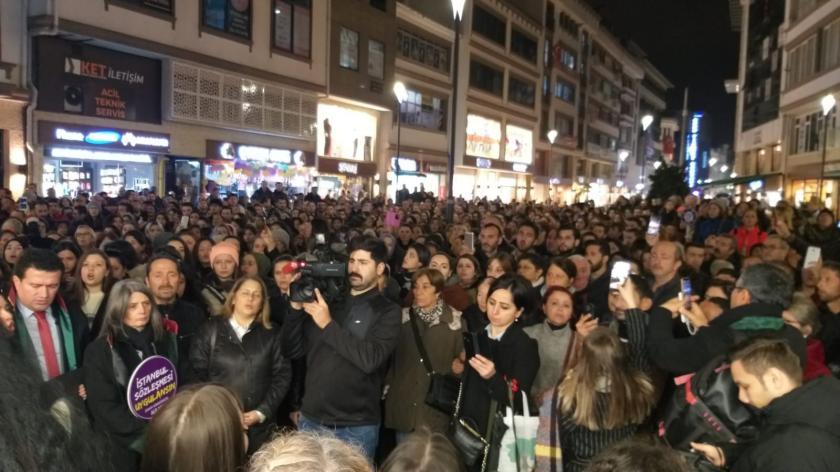 Ordu'da yüzlerce kadın Ceren Özdemir için adalet istiyor.