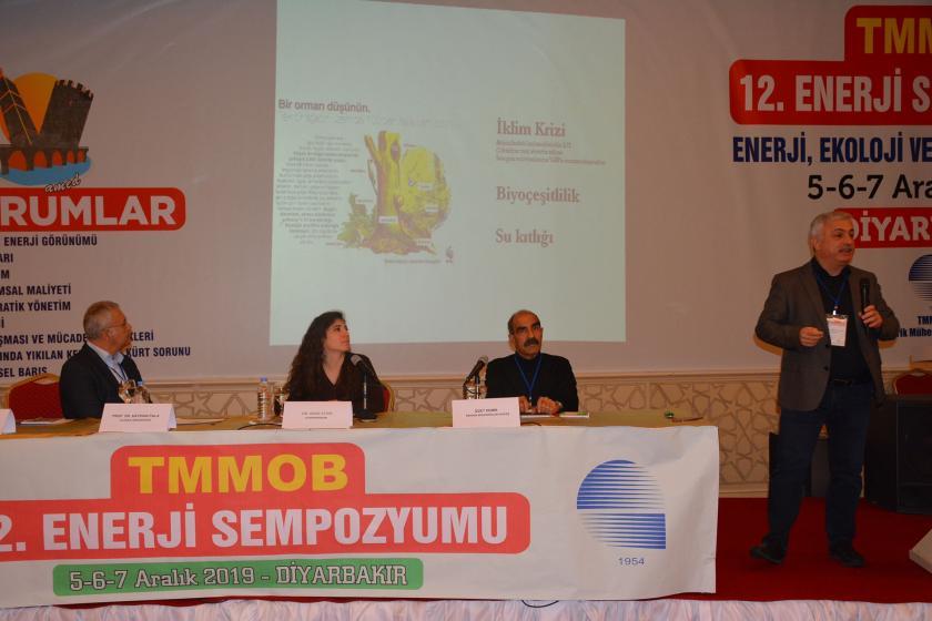 12. Enerji Sempozyumunda konuşmalar yapılıyor