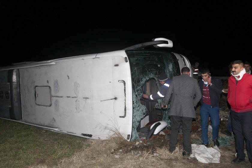 Erzincan'da trafik kazası yapan otobüs
