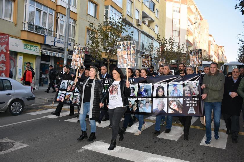 Çorlu tren katliamı davası öncesi yürüyüş yapan aileler