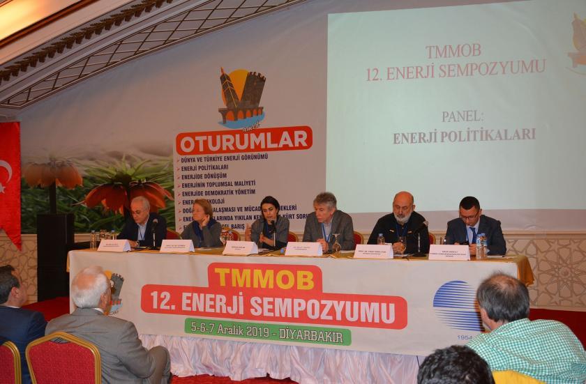 Enerji sempozyumundan  panelistler.