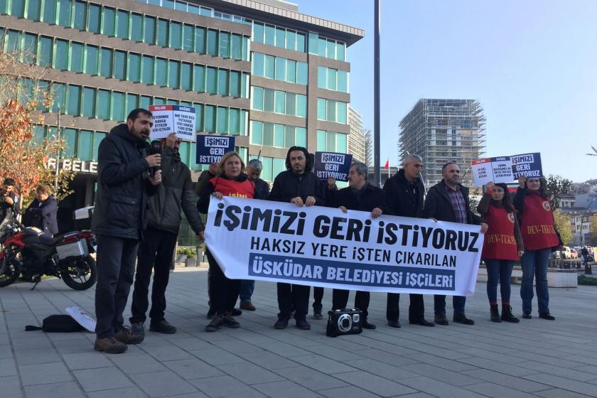 Üsküdar Belediyesinden atılan işçiler, belediye binası önünde eylem yaptı