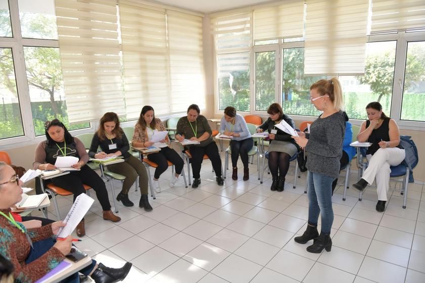 Çiğli Belediyesinde verilen eğitimlerden bir fotoğraf