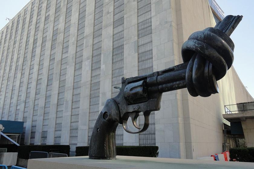 Silah heykeli