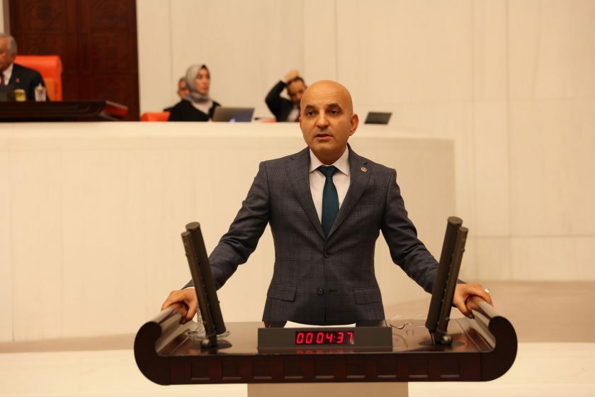 CHP Milletvekili Mahir Polat, Meclis kürsüsünde konuşuyor.