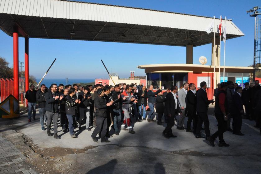 Amasra'da iş bırakma eylemi yapan maden işçileri