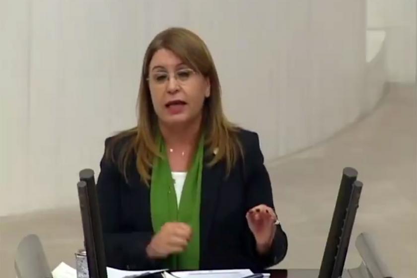 Gülizar Biçer Karaca Meclis kürsüsünde konuşuyor