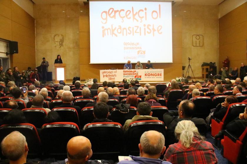 ÖDP'nin 8'inci olağanüstü kongresinin yapıldığı salondan bir fotoğraf