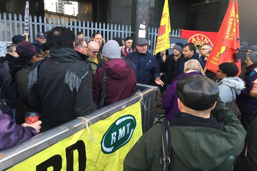 DAY-MER'in grevdeki işçilere ziyareti