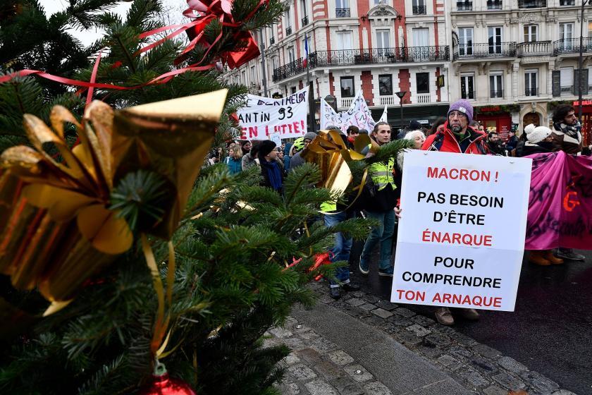 Fransa'da genel grevde Noel kutlaması