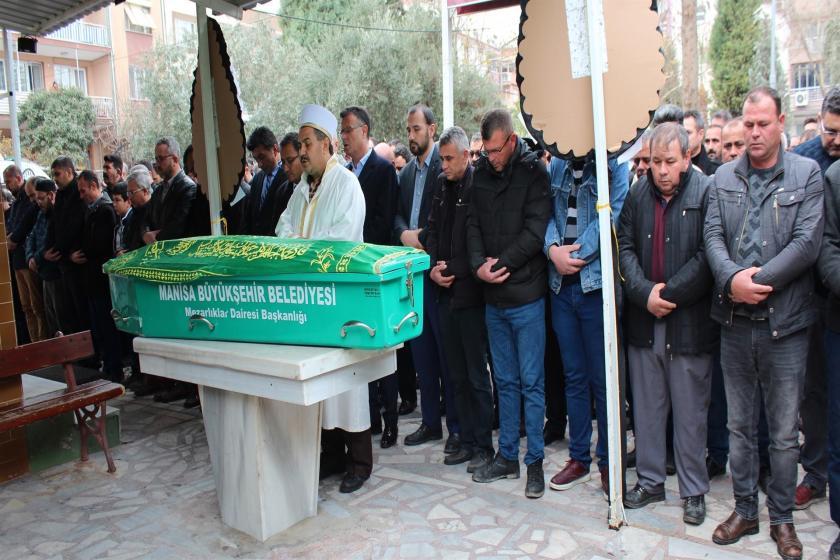 Aile Hekimi Musa A'nın cenaze namazı kılınıyor